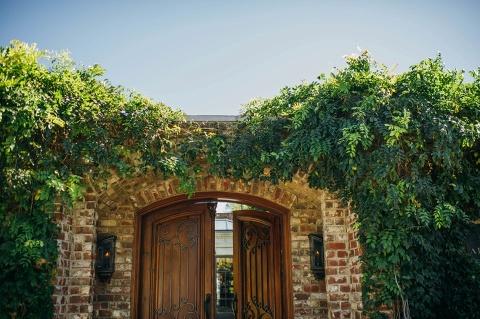 garden_venue_the_apiary_lexington_ky_louisville_wedding_photographers_002
